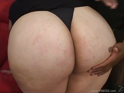 Amazing BBW gives a blowjob and gets pussy boned hard
