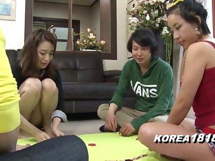 Korean Porn SEXY STRIPTEASE games