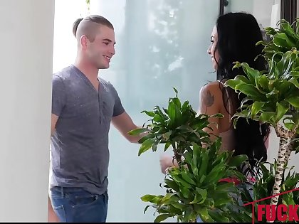 Portia Harlow in Getting To Know My Sexy Aunt