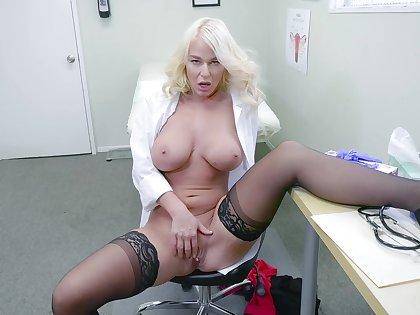 Blonde bastardize shows off masturbating when alone in her office