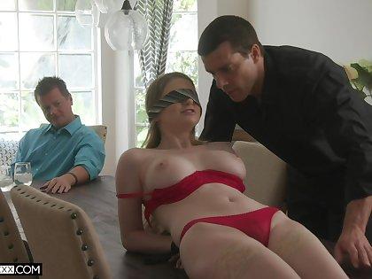 Professional fucker bangs young wifey Bunny Colby progress her elder husband