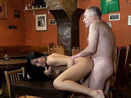 Young amateur cumshot compilation and milf seduces