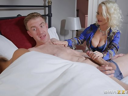 Petite Nobles Eve does the nasty with her hung son-in-law