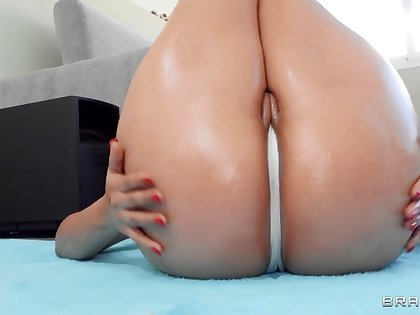 Latina nympho with mammoth hot goods fucks jordi